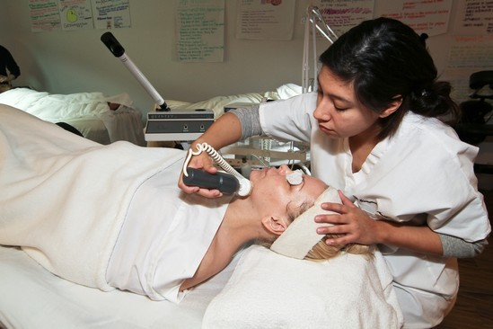 student-facial-with-machines